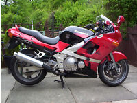 Kawasaki ZZR 600 very low miles, 5,450 12 months M.o.T.
