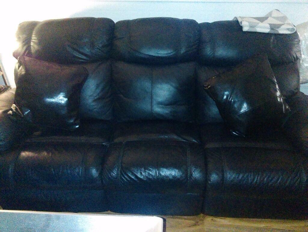 Black Italian Leather Recliner Suite