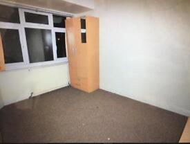 3 bedroom house for rent in Hayes - £1600 - UB4