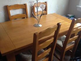 Wooden Dining Room Table + 4x chairs
