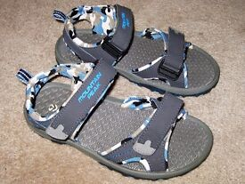 Mountain Peak Sandals Beach Shoes Sandals Size 2 - Like New