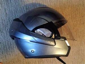 SHARK EVOLINE Motorcycle Helmet size XL62 Flip face style Minto Campbelltown Area Preview