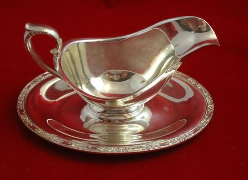 Vintage Oneida Silverplate Gravy Boat with Underplate Attached