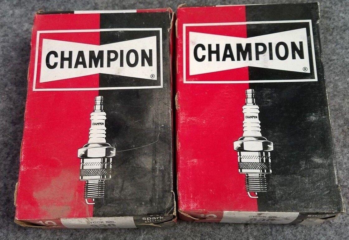 20 Champion Marine Spark Plugs Lot RL86C
