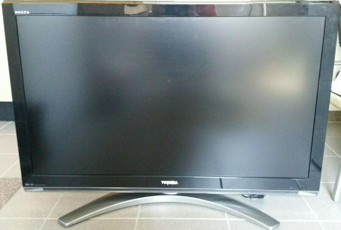 Toshiba Regza 42Z3030D 106,7 cm (42 Zoll) 1080p HD LCD Fernseher