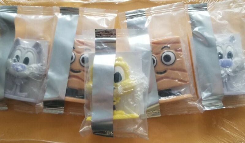 General Mills Cereal Squad lot of 5 figures 2 Chip Wolf, 1 Buzz Bee, 2 Cinnamoji