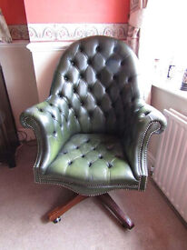 RARE ORIGINAL VINTAGE CHESTERFIELD CAPTAIN'S CHAIR / DIRECTOR'S CHAIR
