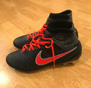 Nike Magista Soccer Cleats - Brand New - Men's 10.5 Women's 12