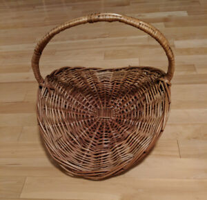 Large Wicker Basker $ 10 TODAY ONLY