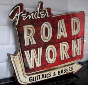 Enseigne Publicitaire Fender Road Worn Embossed Tin Metal Sign