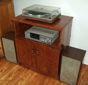 Vintage Sanyo Stereo with Turntable