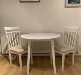 Stunning Cream Table with 2 Chairs