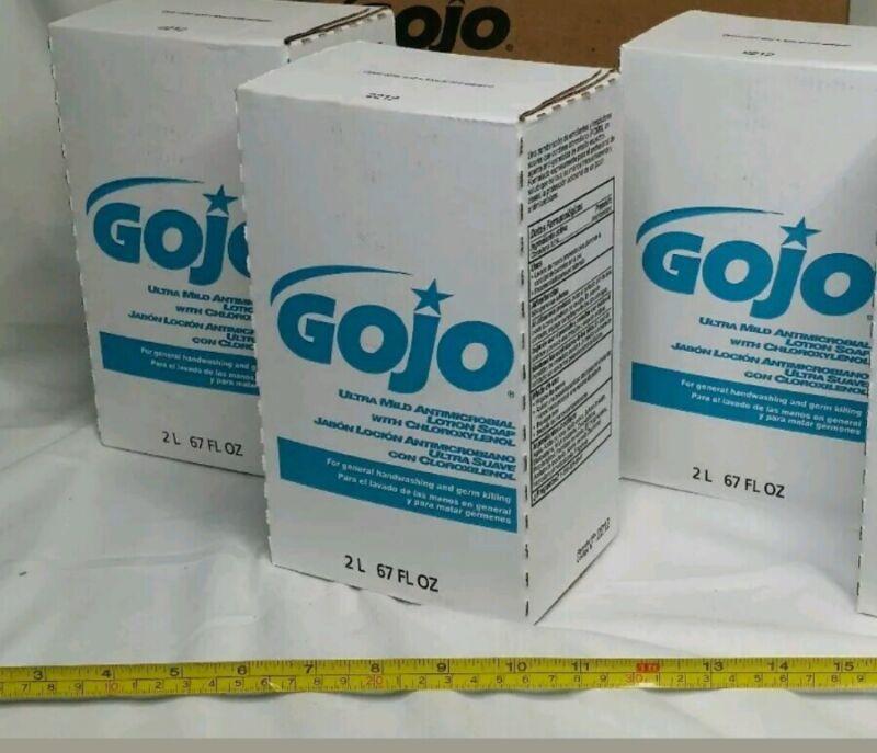 GOJO, 2212-04, Antimicrobial Lotion Soap w/Chloroxylenol, 3x2000mL, skbawa-nnnn