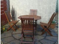 Garden table & chairs (4)