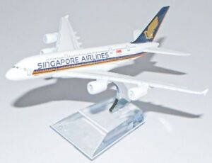 Singapore A380 Airbus 16CM Airlines Die Cast Metal Desk Aircraft Plane Model UK