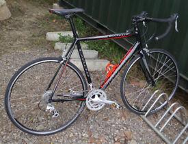 Cannondale Caad8 2300 road bike, 58cm large aluminium frame, 16 speed STI, 700c wheels, carbon forks