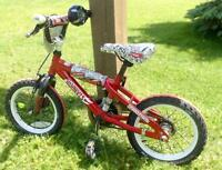 "Hot Wheels - 14"" Bike with Rev Grip -Boys bike"