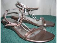 Sandals - Pavers