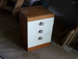 """Chest of drawers 18""""x 27""""x 18"""" whd 3 drawers"""