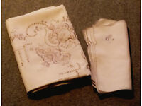 Beautiful linen tablecloth with matching serviettes (New unused)