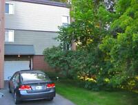 NOT A CONDO! End unit+3bed+1.5b+Family Rm+Garage+Pool