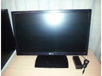 LG Flatron E2351 23in Slim Widescreen 1920x1080p Full HD LED HDMI Monitor