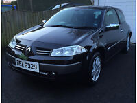rare and unrepeatable mirror finish black Renault Megane 2-00 VVT Sport Dynamique 6 speed, 136 bhp