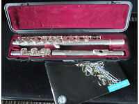 Yamaha YFL 211Sii Sliver Plated Flute in case - good silver keys good pads good case + CD Tutor book