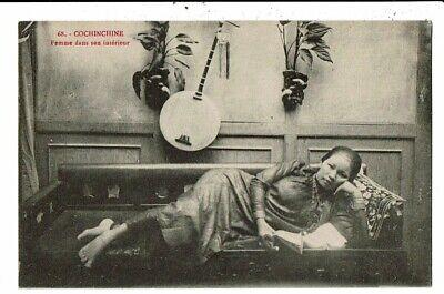 CPA-Carte Postale-Vietnam- Cochinchine- Femme dans son intérieur  -VM10065