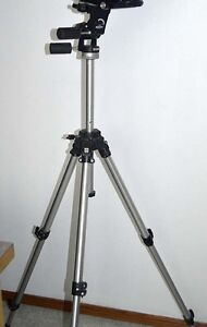 Manfrotto heavy duty tripod with levelling head