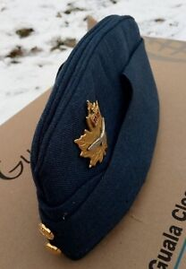 Canadian-Air-Force-Garrison-Wedge-Flight-Cap-Sz-7-1-8-with-Genuine-Brass-Badge
