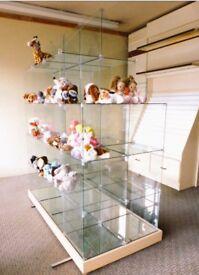 Shop Display Unit, 15 Glass cubicles 40x40x40cm, arrangement of cubicles can be changed