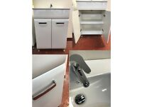 BARGAIN! SINK! SINK CABINET! TAP! HIGH GLOSS! CHROME HANDLES!