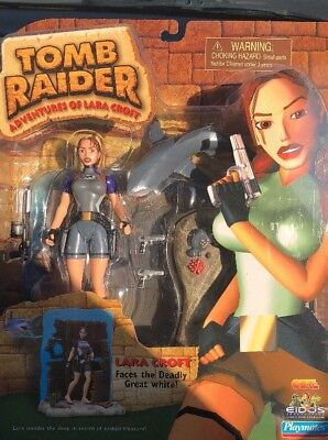 "Adventure Of Lara Croft Tomb Raider Faces The Deadly Great White ""Rar"" Playmates"
