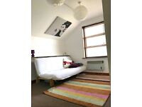 Lovely Peaceful Studio, Zone 2, close tube/buses includes C Tax & Rates