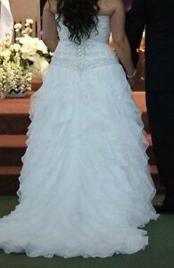 Beautiful Wedding Dress St. John's Newfoundland image 3