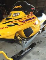2000 Mxz 600 ski-doo snowmobile