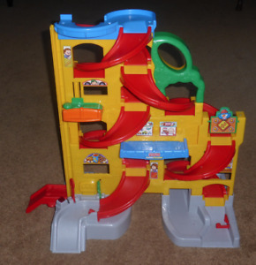 Fisher Price Little People Wheelies Stand 'N Play