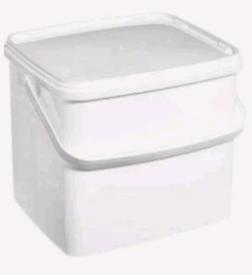 10 X 10 Litre White Plastic Rectangular Pail C/W Handle & Tamper Evide