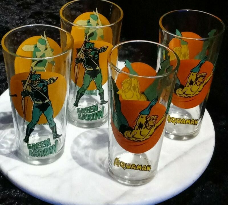 Aquaman & Green Arrow Glasses Set of 4  1976 Pepsi DC Universe Comic Book Heroes