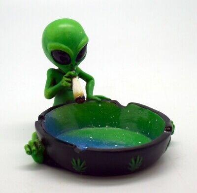 Resin Alien Smoking A Joint Green Novelty Ashtray Marijuana Weed - Alien Novelties