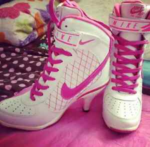 Brand Nike shoes with heels..size 6.5