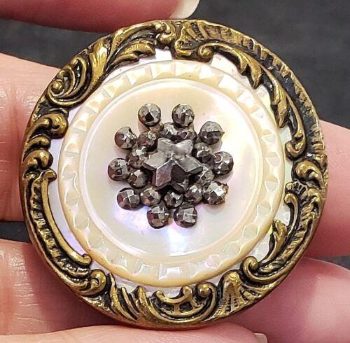 Antique Button…Beautiful Pearl w Sparkling Cut Steels & Fancy Border…Paris Back