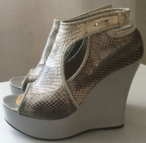Hugo Boss platform shoes/booties