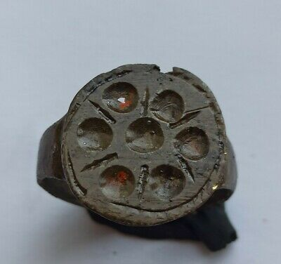 LATE MEDIEVAL BRONZE RING WITH CIRCLES AND LINES 1400-1500 AD