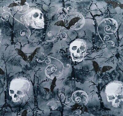 Fog Skulls Bats Patchworkstoffe Stoffe Totenkopf Halloween Totenschädel Gothic
