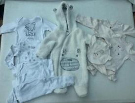 Unisex tiny baby / newborn bundle
