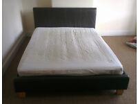 Kingsize bed & mattress