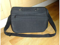 "A laptop carry case for 13"" laptop *** STILL FOR SALE !! ***"