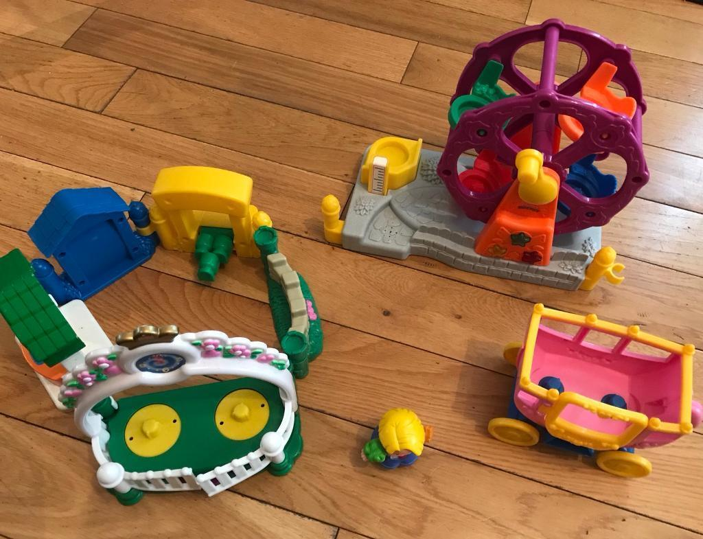 Fisher Price Little People Funfair and Carriage, excellent condition